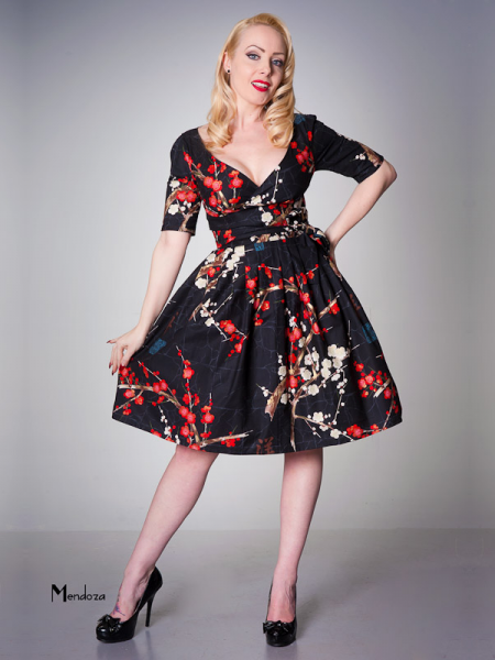 Victory Parade Kleid Betty Black Oriental