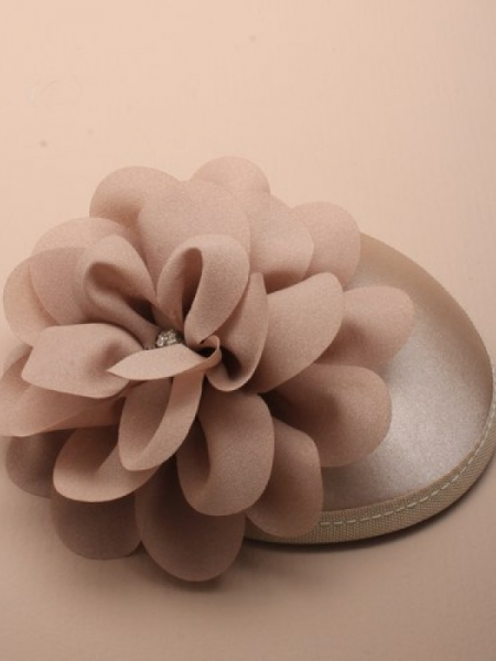 Satin-Fascinator champagne beige