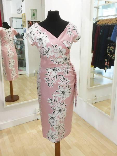 The Pretty Dress Company Pencilkleid Hourglass Hawaiian Pencil Dress rosa